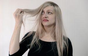 Dermatitis seborreica en el cuero cabelludo: ¿Qué es y cuáles son sus síntomas?